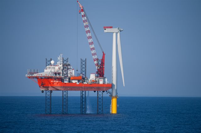 Delivering a sustainable low-carbon energy future from offshore renewables